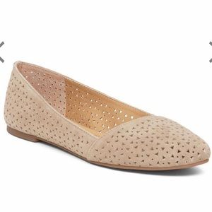 Lucky Brand Archh Flat Grout Perforated Suede 7.5